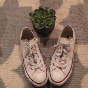 Converse Chuck Taylor; low sneaker; optic white